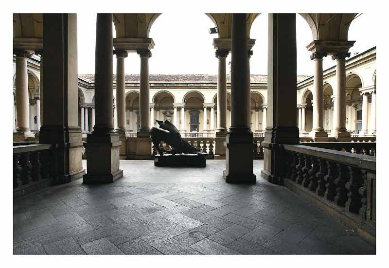 Pinacoteca di Brera white in the city