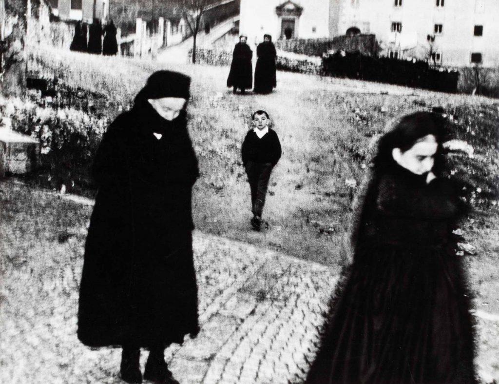 Mario Giacomelli - Scanno 1957 - Minerva Auction - asta di fotografia minerva