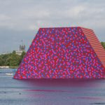 The London Mastaba: land art al Serpentine Park di Christo e Jean Claude